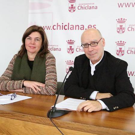 Pepa Vela y Jesús Romero durante la presentación